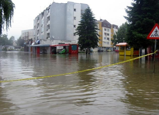 Modrica - 23 juna -/SRNA/centar grada pod vodom